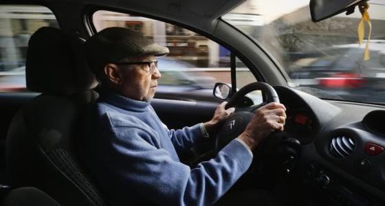 500 mayores de 65 fallecen en accidente de tráfico cada año