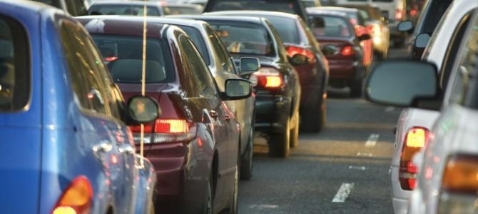 Las víctimas en accidente de tráfico son más de 1000