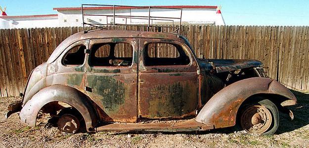 Los coches antiguos doblan el riesgo de morir en accidente de tráfico